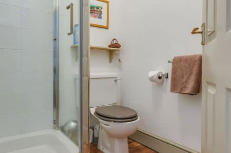 The Ensuite Shower and WC in the front double room at Alverstone B&B